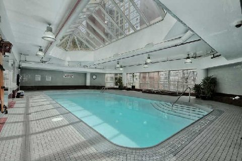 Pool of 1001 bay st