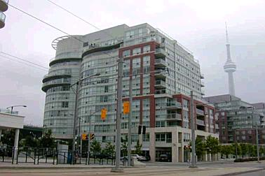 550 Queens Quay condo building